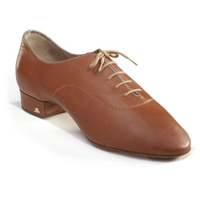 Мужские туфли с камнями